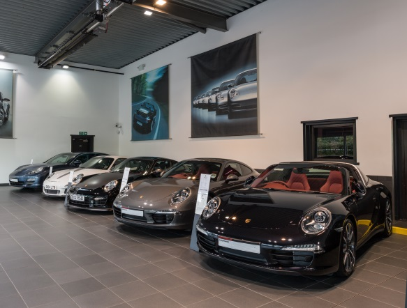 Porsche centre silverstone why choose a porsche approved for Cannon motor company preowned